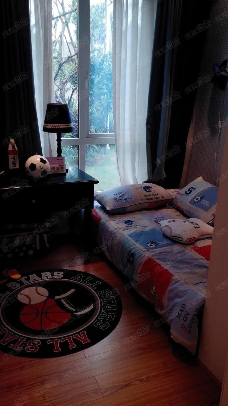 青岛满庭芬芳房间照片