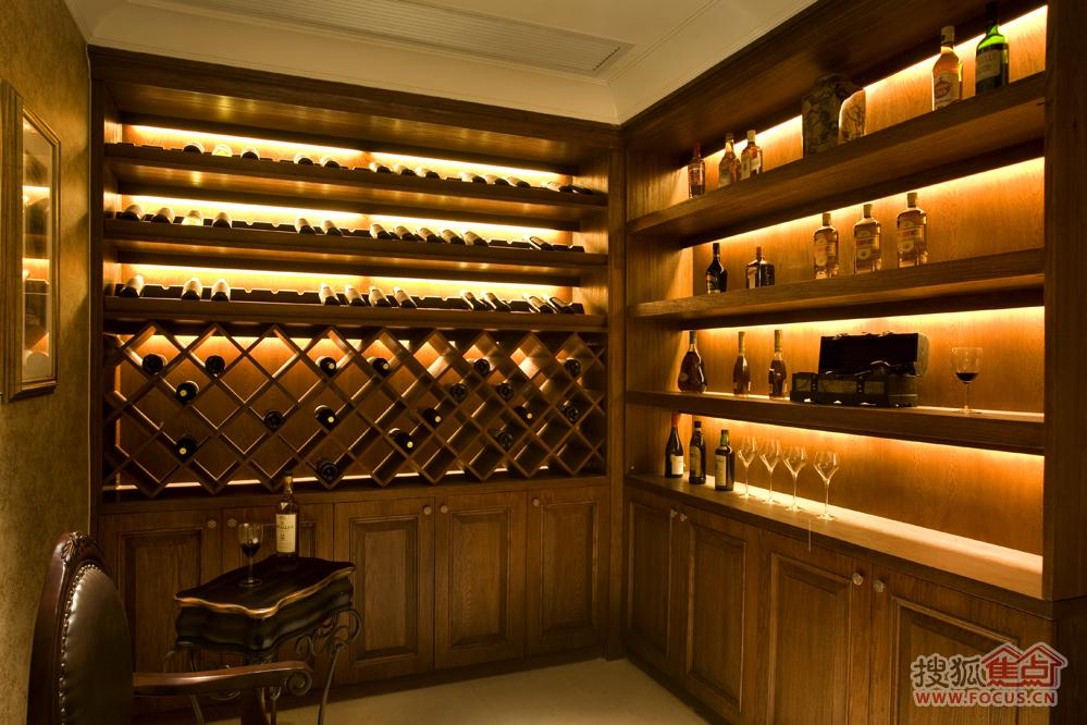 地下室酒柜图片
