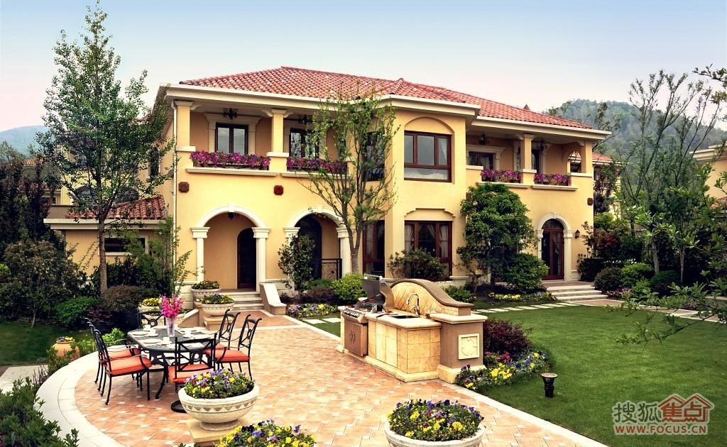 在售二期少量臨湖獨棟別墅,面積在391-750平方米,還剩二十套左右,總價