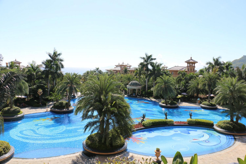 碧桂园珊瑚宫殿别墅实景图—小区泳池